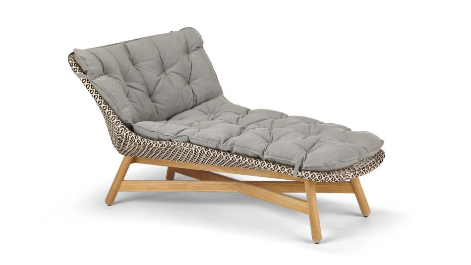 DEDON_Mbrace_Daybed_pepper